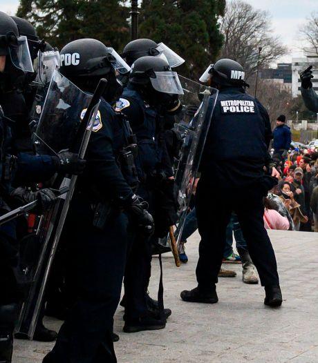 Vier doden bij bestorming Capitool, ruim 50 arrestaties: 'Agent zwaargewond nadat hij wordt meegesleurd'