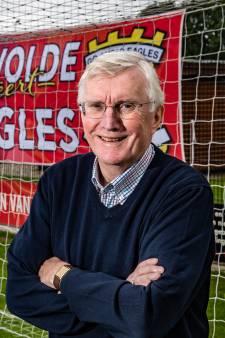 Clubicoon Steenbergen (73) klautert na heftig ziekbed weer op bij GA Eagles: 'Ik ben mijn vrouw zó dankbaar'