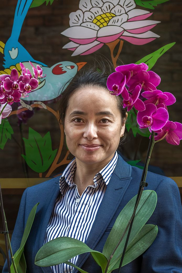 Mingfang Wang: ,,Ik ben getrouwd met een Nederlander, het heeft lang geduurd voordat mijn ouders dit accepteerden.''