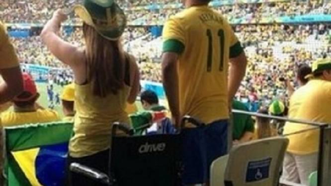 'Gehandicapten' veren miraculeus recht uit rolstoel om goal te vieren tijdens WK