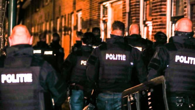 Man (39) gooit explosief uit zijn huis en veroorzaakt ravage in het Nederlandse Dordrecht