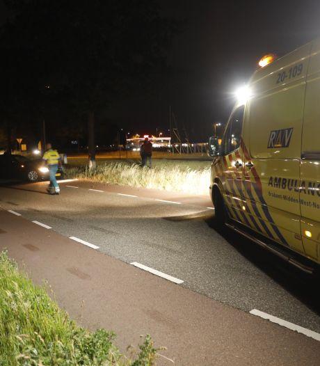 Automobilist naar ziekenhuis na botsing op boom in Rucphen