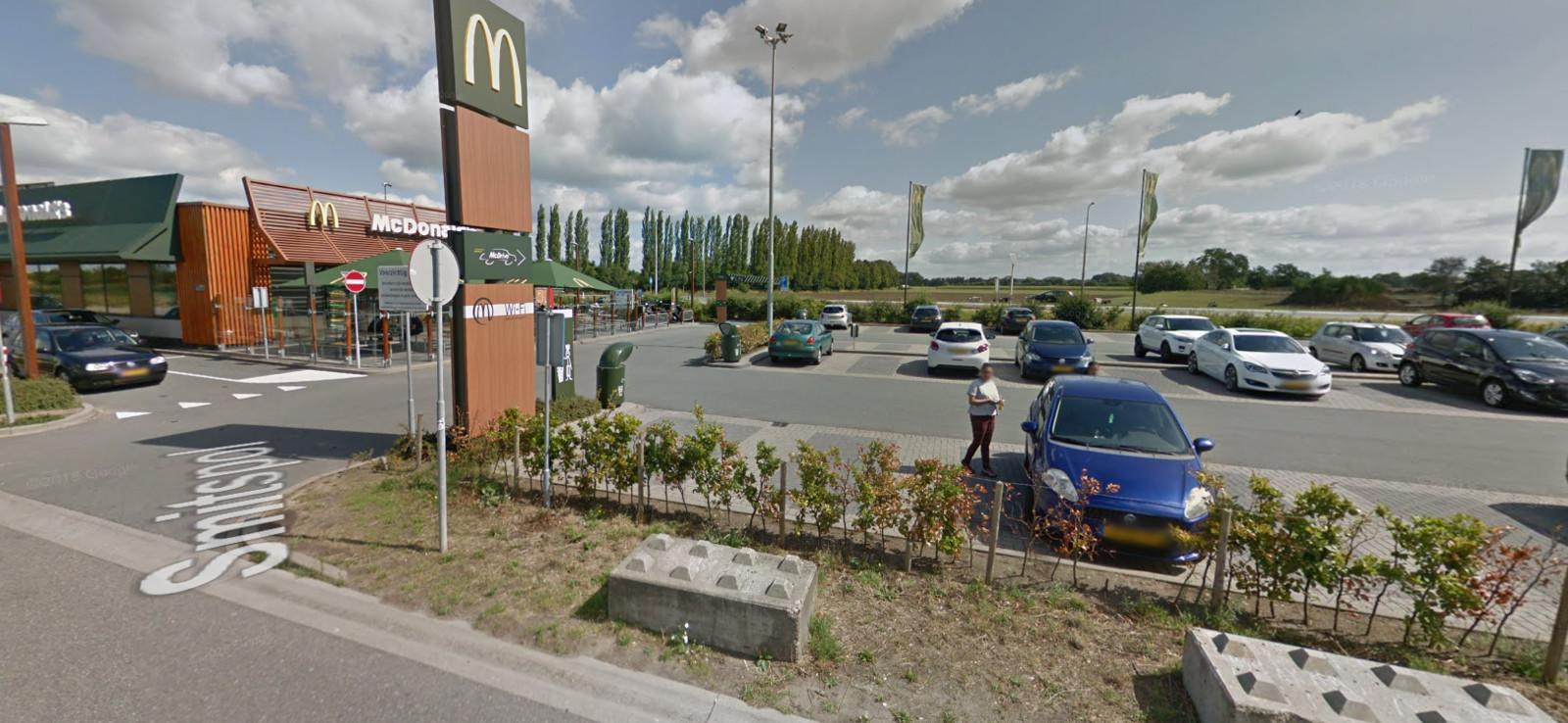 De parkeerplaats waar de dubbele aanhouding gisteren plaatsvond.