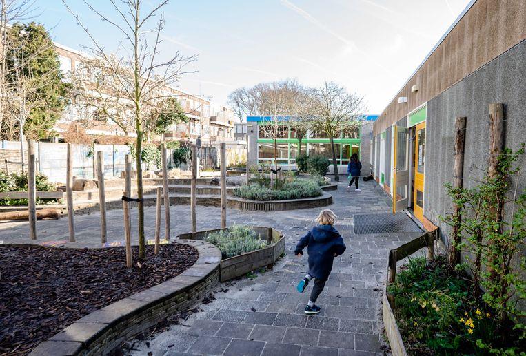 Plein van een basisschool in Den Haag. Beeld ANP