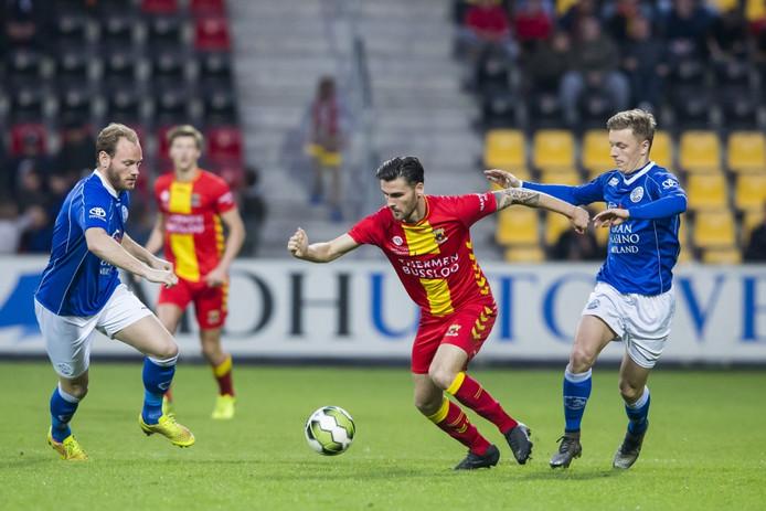 FC Den Bosch won vorig seizoen de uitwedstrijd tegen Go Ahead Eagles met 1-2. Sven Blummel (rechts)  maakte toen beide Bossche doelpunten.