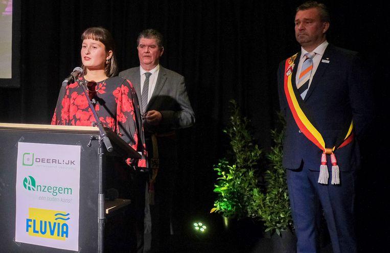 Ook burgemeester Van Marcke wordt niet vergeten. Zijn dochter Pauline mag in zijn naam ook even spreken.