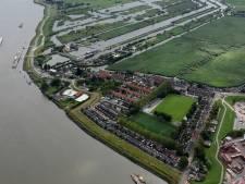 Woningen slopen voor nieuwe entree molens Kinderdijk? 'Ja' zegt de gemeente, maar inwoners zijn kritisch
