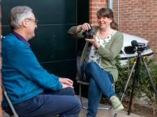 Fenneke fotografeert 52 streekgenoten van 52 tot 104 jaar oud: 'Ouderen hebben vaak meer te vertellen'