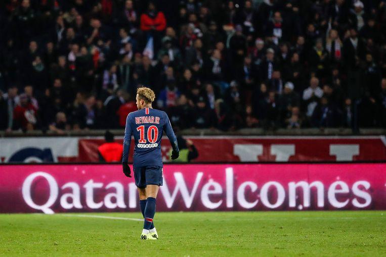 De Braziliaan Neymar Jr is een van de sterren van Paris Saint-Germain, dat in handen is van Qatar. Beeld EPA