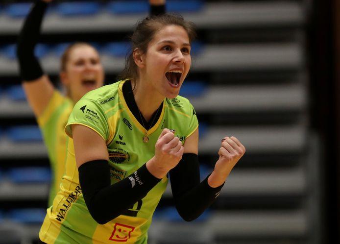 Yana De Leeuw speelt ook volgend seizoen bij Hermes Oostende.