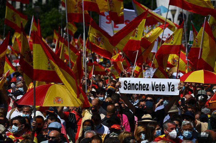 Tienduizenden Spanjaarden kwamen vandaag op straat.