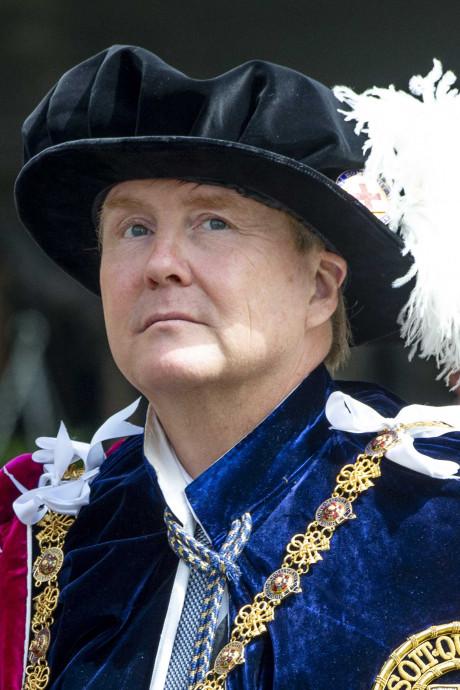 Na een verkleedpartijtje is Willem koning Kousenband