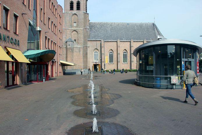 Fontein voor Stadskantoor en Van Goghkerk, Etten-Leur, stockbnds, stockadr