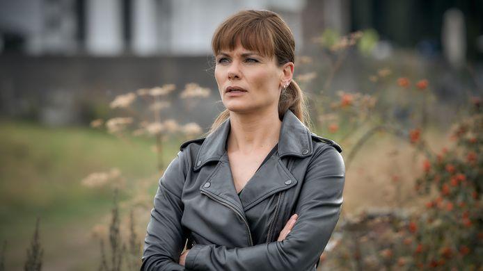 Angela Schijf als Eva van Dongen in 'Flikken Maastricht'