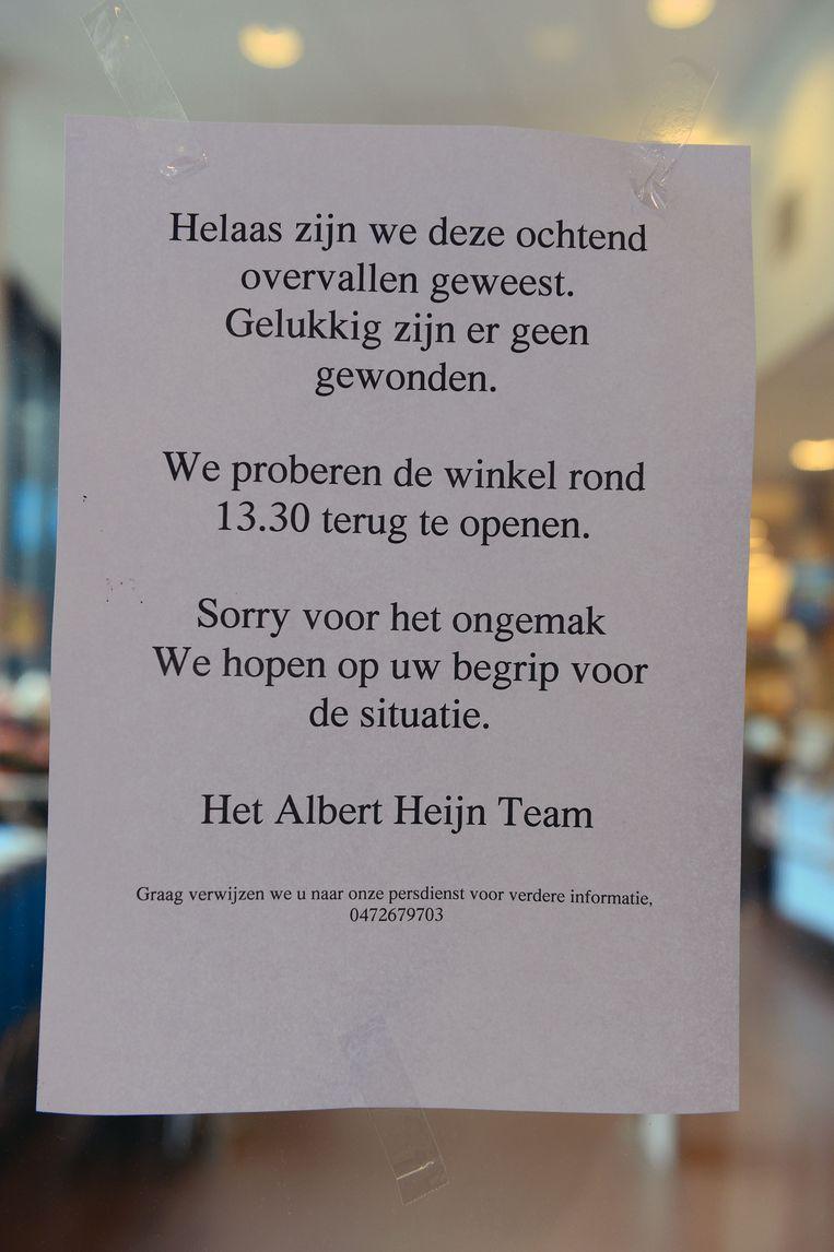 Overvallers Knevelen Elf Personeelsleden Albert Heijn