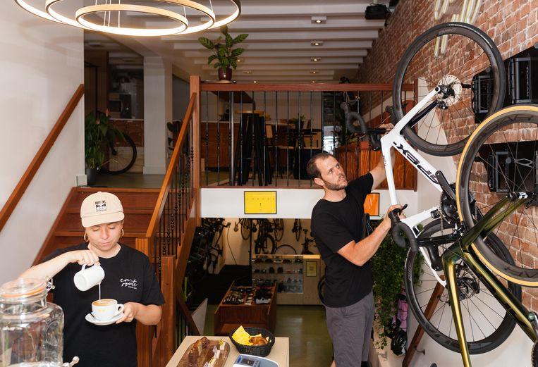 En Route Cycling Cafe op de Bilderdijkstraat. Beeld Nina Schollaardt