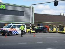 Drie jaar cel en tbs voor IJsselsteiner (49) die twee PLUS-medewerkers neerstak en de benen nam