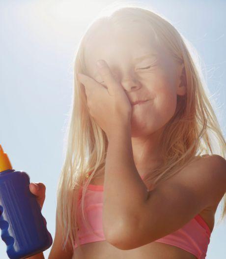 Insmeren bij kinderen: deze plekken moet je niet vergeten