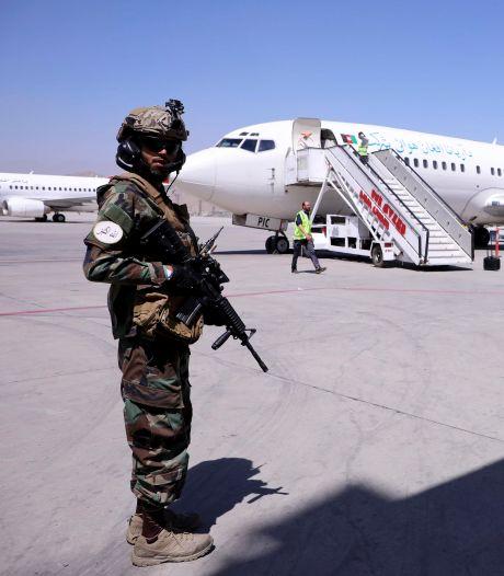 Dertien Nederlanders geëvacueerd uit Kaboel, nu aangekomen in Qatar