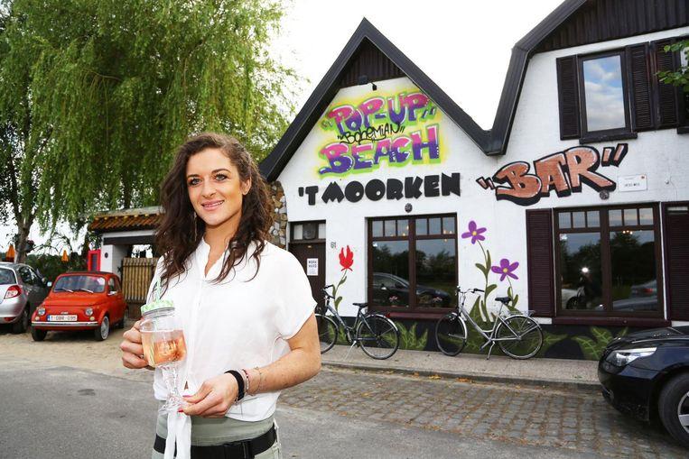 Axelle De Clercq had enkele zomers geleden al haar eigen zomerbar.
