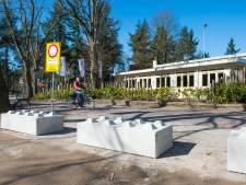 Parkeerplaatsen Mastbos dicht: eigenaar wil dat terrein meer geld oplevert