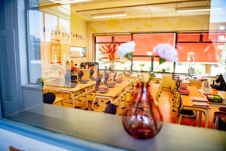 Via een nieuwe, universitaire pabo kunnen leraren straks ook lesgeven op de basisschool. Beeld Robin Utrecht
