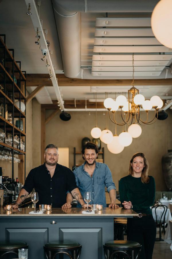De eigenaren van restaurant Guts in Amsterdam. Vlnr. Guillaume de Beer, Freek van Noortwijk en Johanneke van Iwaarden.
