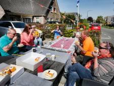 'Koningin Wilhelmina' rouwt er niet om dat jaarlijkse koningsdagoptocht in Oud-Maarsseveen niet doorgaat