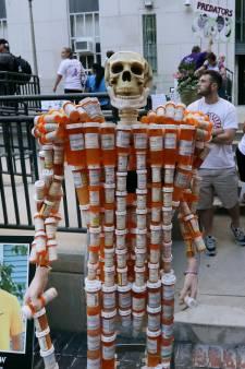 Farmaciemagnaten kopen rechtszaken over pijnstillers af met miljardenschikking