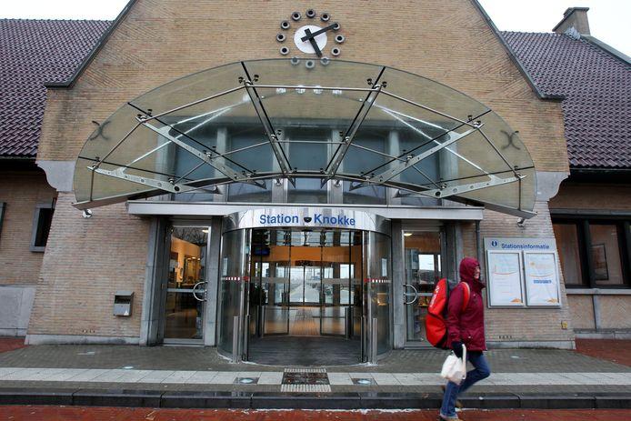 De fuifzaal komt in de Kouderkerkelaan naast het station.