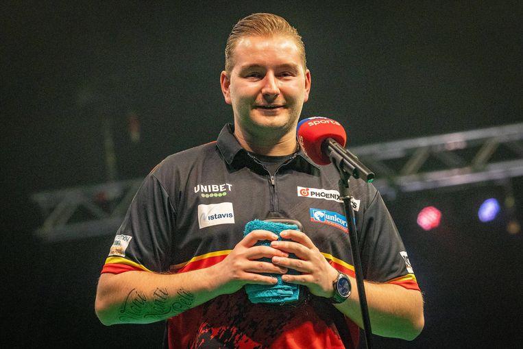 Dimitri Van den Bergh Belgium op de PDC Premier League darts in de Marshall Arena, Milton Keynes, UK. Beeld BELGAIMAGE