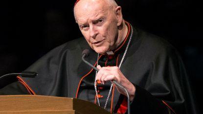 Vaticaan zet omstreden Amerikaanse kardinaal McCarrick uit ambt