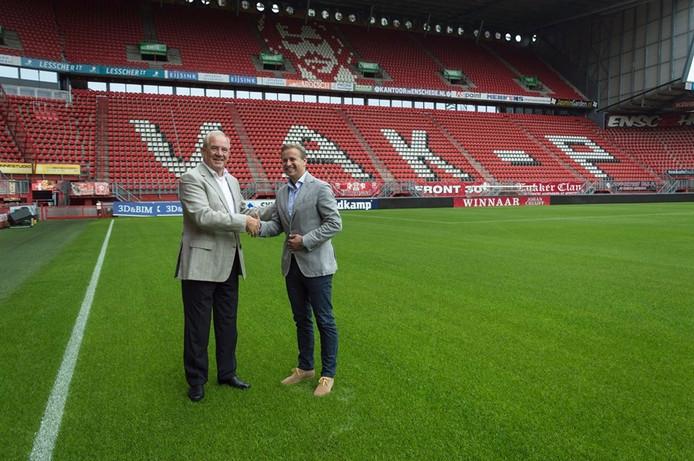 Geert de Raad van TV Enschede FM en Marco Behrens van FC Twente