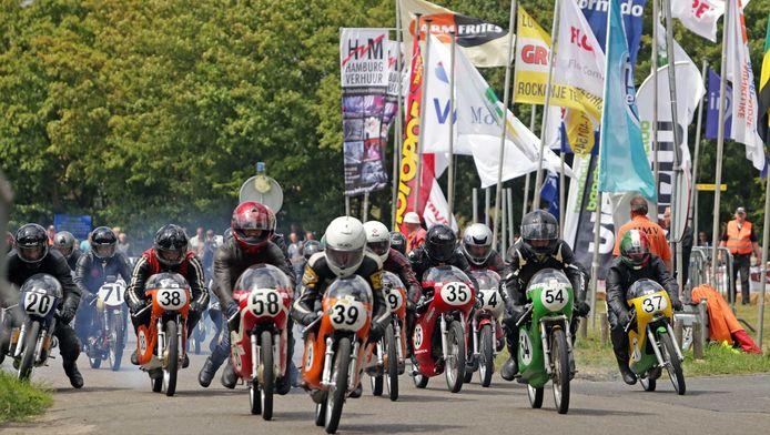 De supermotorwedstrijd is een jaarlijks terugkerend evenement. Dit is de race in 2014
