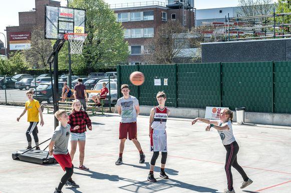 Scheonmuseum Eperon d'Or ograniseerde een 3x3 basketcompetitie