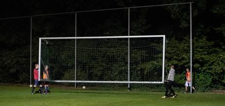 KNVB wil dat avondklok uur later ingaat: 'Sporten en bewegen noodzakelijk voor de gezondheid en weerstand'