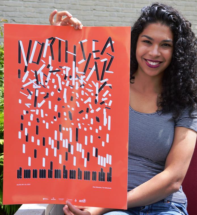 Naomi van Maasakkers uit Nuenen met de door haar ontworpen poster