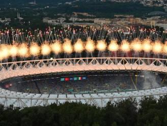 (VR-)optredens van Martin Garrix en Andrea Bocelli, circusacts en vuurwerk: EK officieel op gang getrapt met spectaculaire openingsceremonie