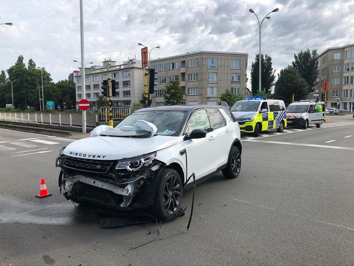 Beide auto's raakten zwaar beschadigd en moesten getakeld worden.