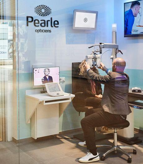 Oorlog in brillenland: invallen bij moederbedrijf Pearle om conflict rond overname