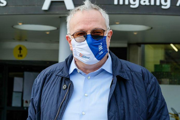 actie STOP het virus door personeel UZ Jette: Dokter Dirk Devroey