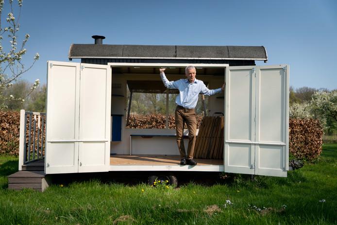 """Rob Hoekstra: ,,Deze pipowagen doet ieder jaar mee en is deze keer het huis van de jutter."""""""