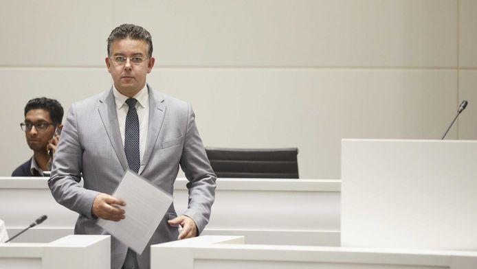 D66-raadslid Rachid Guernaoui ligt overhoop met de partijtop over de opvolging van Van Engelshoven.