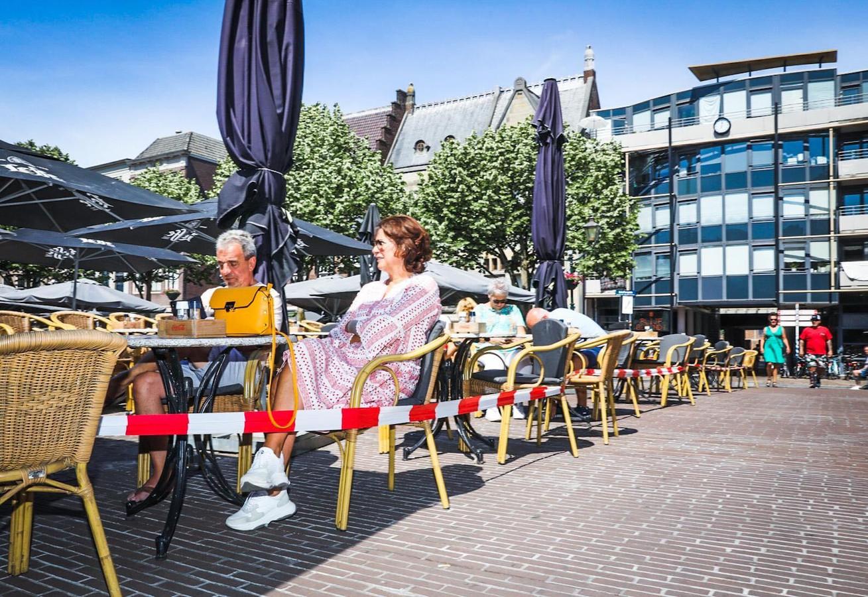 De heropening van de Dordtse terrassen op het Scheffersplein.