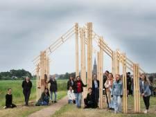 Studenten brengen ode aan de Hollandse Waterlinie: 'Elk huis is kwetsbaar onder oorlogsdreiging'
