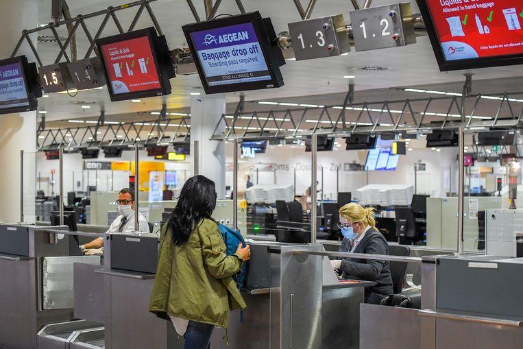 Brussels Airport maakt zich klaar voor de heropstart, nu maandag de Europese binnengrenzen weer openen. Beeld BELGA