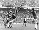 Schrijvers (Ajax) grijpt in tegen Feyenoord in de Kuip, 29 april 1979.