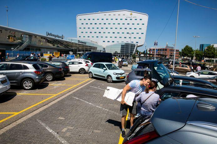 Parkeren Eindhoven Airport (archieffoto)