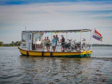Voet- en fietsveer 't Leeuweveerke weer in de vaart, Markpontje blijft voorlopig aan wal