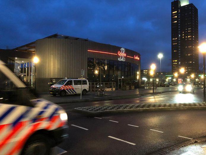 Controles bij winkelcentrum Woensel.